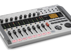 Zoom R24 Recorder : Interface : Controller : Sampler - Slant Left