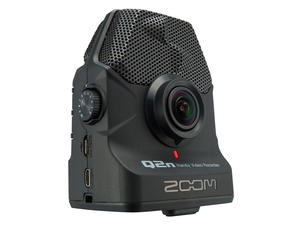 Zoom Q2n: Front View, Slant Left
